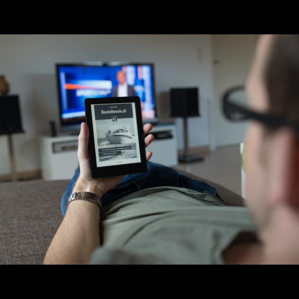 Unser Bootstheorie-eBook kann bequem und einfach auf allen gängigen E-Readern gelesen werden.